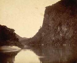 [Defile on the Irrawaddy River, Burma.]